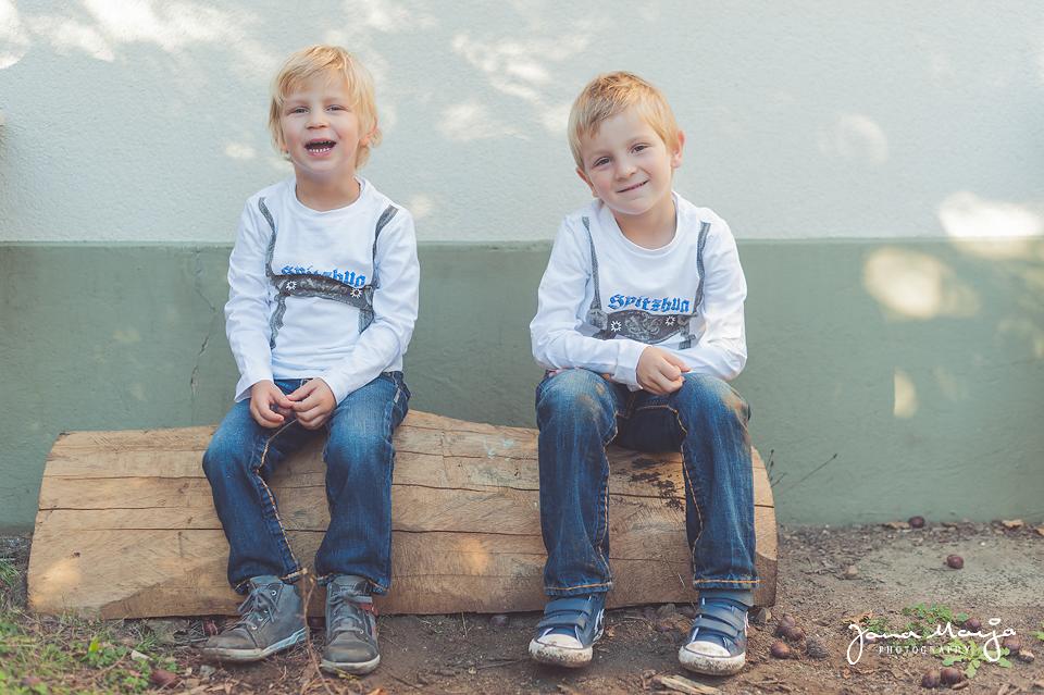 Fotoshooting mit zwei Spitzbuben